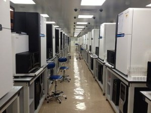 Illumina_Hiseq_2000_sequencers_BGI_sequencing_room